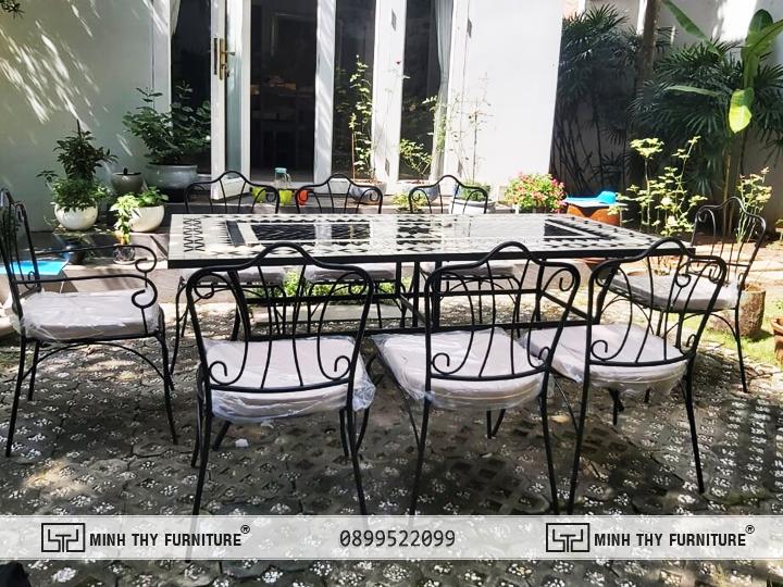 Bàn ghế sắt sân vườn BGS321 của Minh Thy Furniture