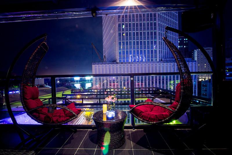 King Karaoke 2 chọn sofa và xích đu của Công ty Nội thất Minh Thy