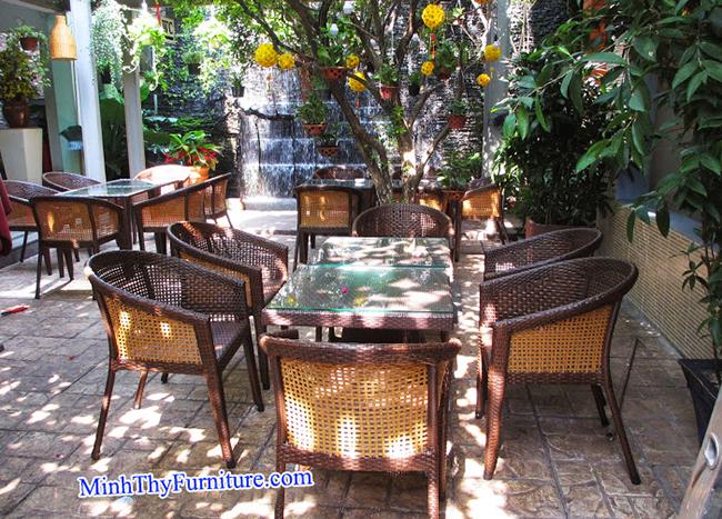 Minh Thy Furniture cung cấp bàn ghế giả mây cho quán Cafe Suối Đá