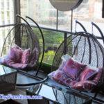 Ghế xích đu nhựa giả mây – Tô điểm cho quán café của bạn thêm phần thu hút
