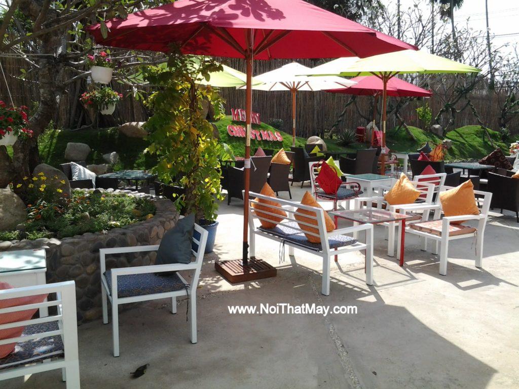 Bàn ghế sắt của Nội thất Minh Thy tại Art Garden Cafe
