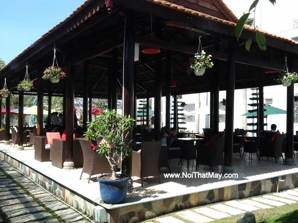 Bàn ghế nhựa giả mây của Nội thất Minh Thy tại Art Garden Cafe