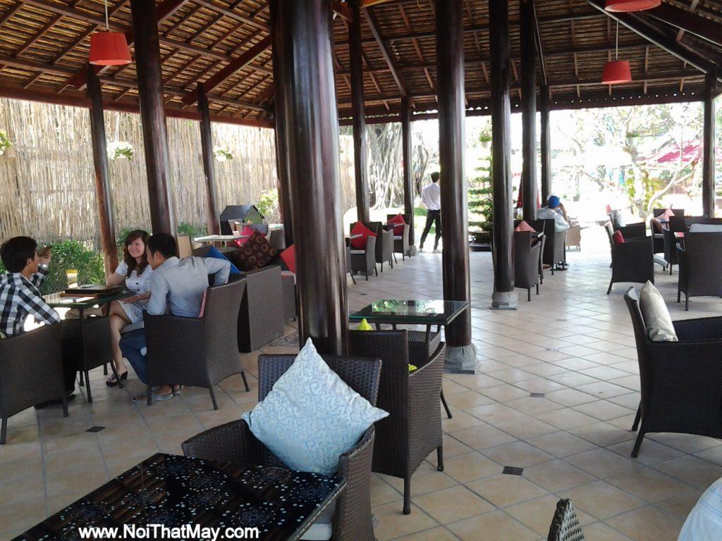 Bàn ghế giả mây của Nội thất MInh Thy tại Art Garden Cafe
