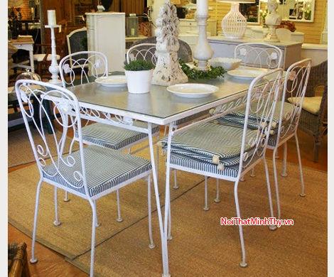 Bàn ghế sắt nghệ thuật - BGS-MT301