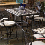 Bàn ghế sắt nghệ thuật cho quán mang phong cách cổ điển