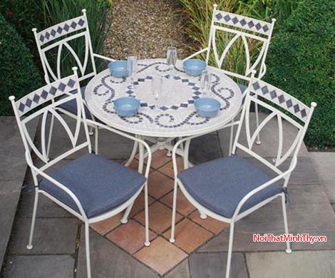 Bàn ghế sắt nghệ thuật - BGS-MT390