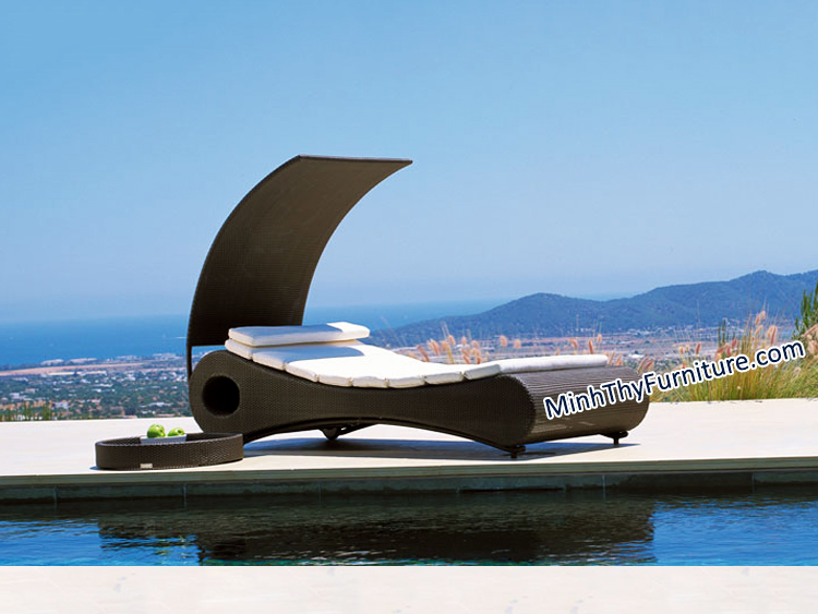 Tư vấn chọn khung ghế hồ bơi mây nhựa phù hợp với điều kiện trưng bày
