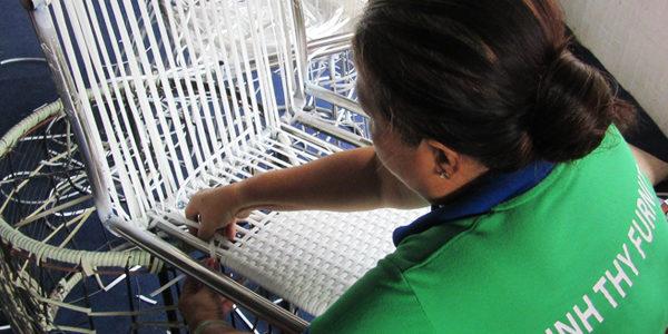 Sản xuất ghế quầy bar nhựa giả mây MT809 tại xưởng sản xuất Minh Thy