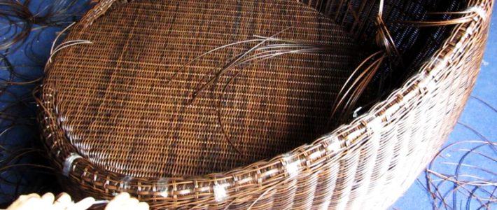 Video cận cảnh đan ghế trứng mây nhựa dây tròn tại Minh Thy Furniture
