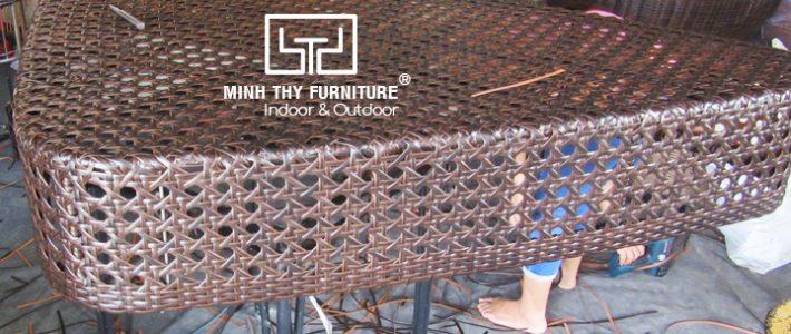Đan mẫu sản phẩm đôn ghế mây nhựa hình tam giác theo mẫu của khách