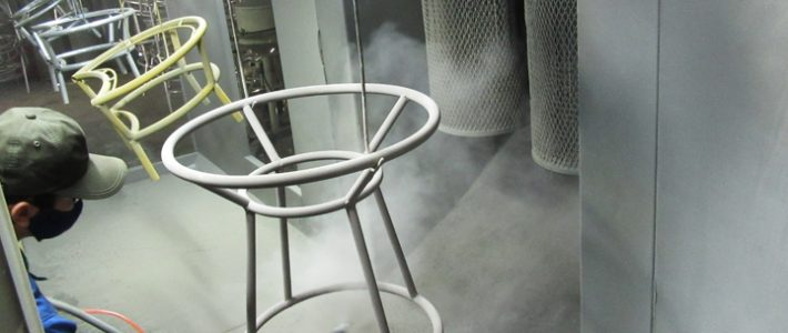 Tại sao chỉ sản xuất vài bộ bàn ghế cafe mây nhựa mà phải chờ lâu vậy?