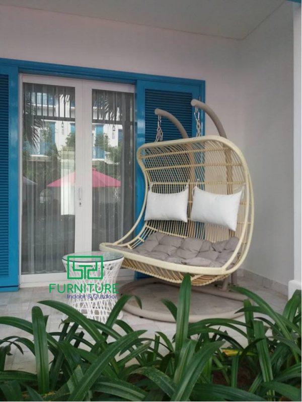 Hình ảnh xích đu nhựa giả mây MT970 của Minh Thy Furniture tại Risemount Resort Đà Nẵng