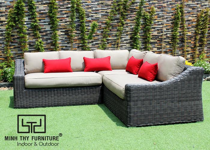 Sofa tiếp khách bằng chất liệu mây nhựa rộng rãi, êm ái