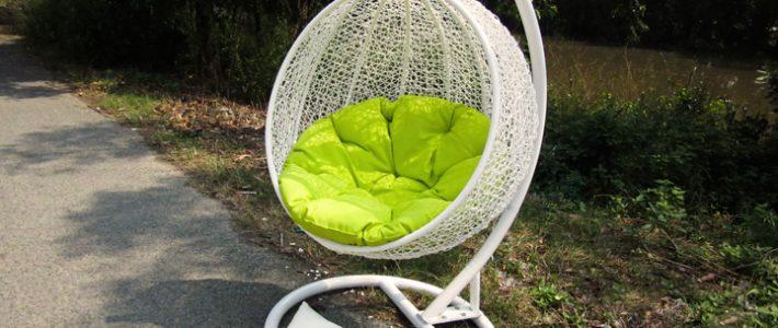 Một chiếc ghế xích đu trứng có giá bao nhiêu?