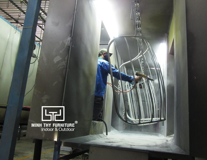 Ứng dụng công nghệ sơn tĩnh điện cho sản xuất khung xích đu trứng