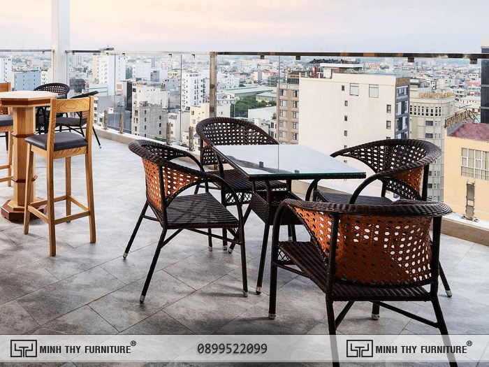 Bàn ghế cafe mây nhựa tại Sunny Ocean Hotel & Spa