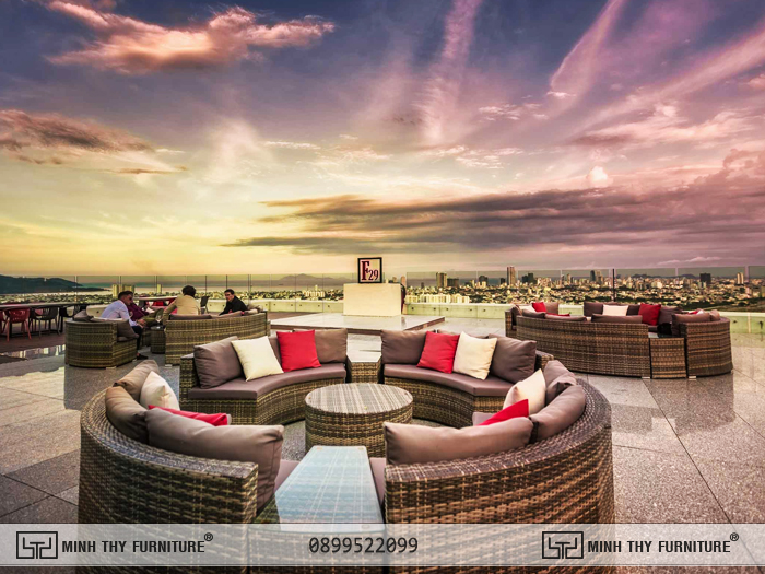 Sofa ngoài trời đan mây nhựa cao cấp tại Khách sạn Golden Bay Đà Nẵng